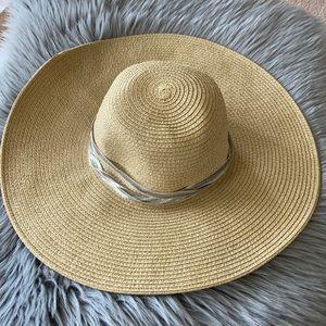 "J. Crew Big Floppy Straw beach sun  5"" brim  hat"